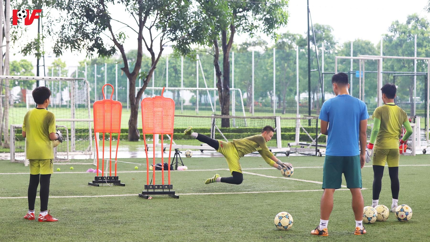 Bài tập phản xạ dành cho thủ môn 2008, 2009 PVF