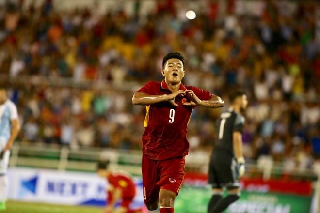 Hà Đức Chinh chơi ấn tượng nhất trận U20 VN - U20 Argentina
