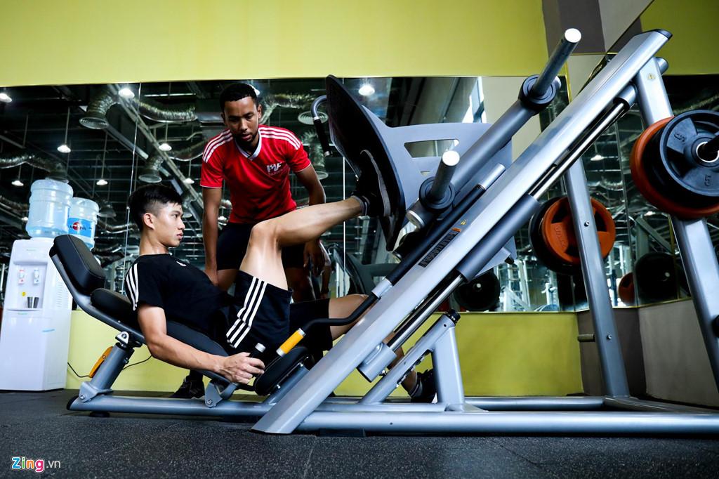 Phan Văn Đức kết thúc tập luyện phục hồi vật lý trị liệu tại PVF